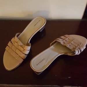 Women's kitten heel tan dress shoe